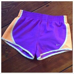 🐝Kids' (L: 12-13) Nike neon running shorts